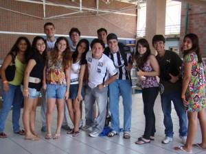 adolescentes na FA7. 25/04/2010